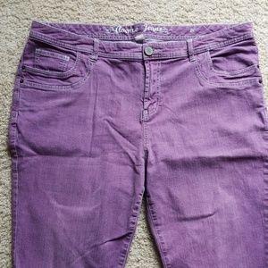 Avenue Jeans in a purple/lilac color